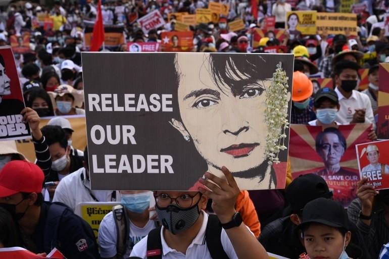 缅甸变天后中资工厂被围堵,当地华人遭袭击