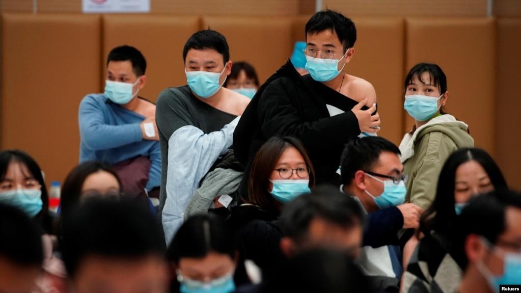 為何中國老年人被排除在優先接種新冠疫苗人群之外?