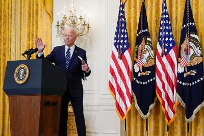 拜登:不寻求与中国对抗,但不允许中国超过美国