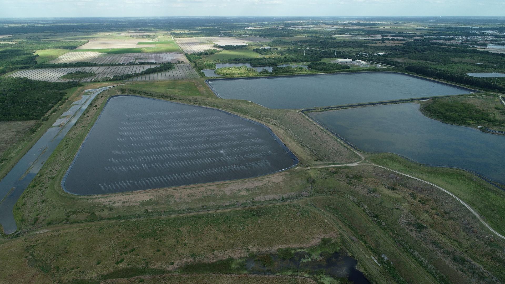 佛州廢水池或崩塌或掀6米高巨浪 3縣進入緊急狀態
