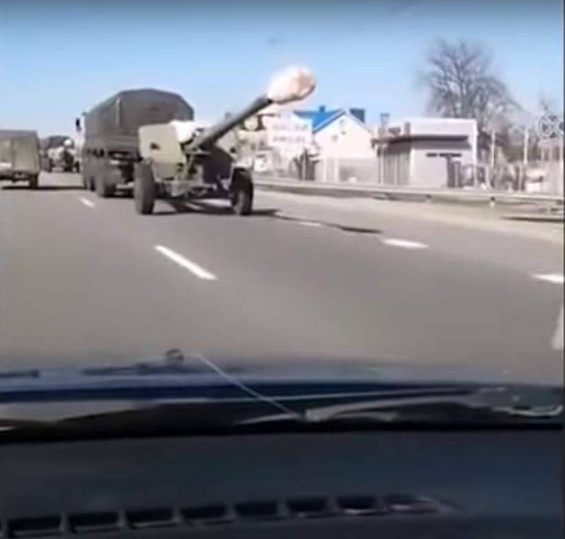 俄軍隊邊境集結畫麵曝!專家:1月內恐爆發世界大戰