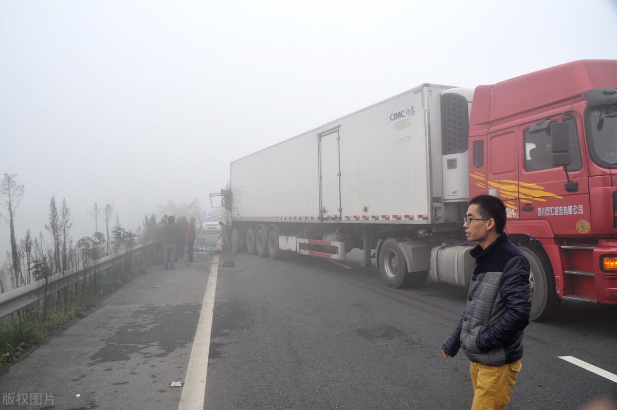 货车司机因2千罚款喝农药自杀 留遗书:希望用我的死唤醒…