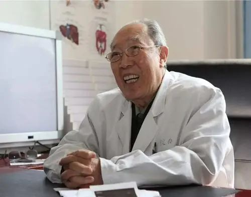 """99岁""""中国肝胆外科之父""""逝世,两年前刚退休"""
