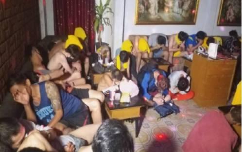 无视疫情严峻 57人大搞性爱趴群聚