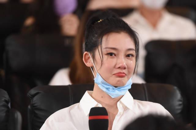 苗苗自曝14年就开始欣赏郑恺,冯小刚为他们牵线