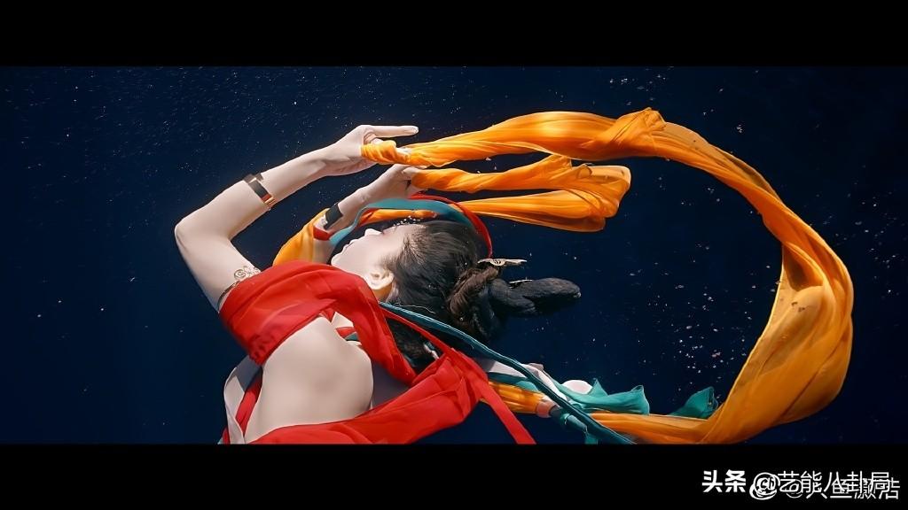 河南卫视又开挂了!洛神舞爆红 泡水下26小时拍出