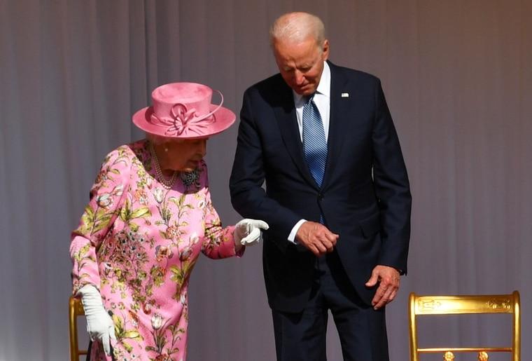 拜登与英国女王茶叙:她问起了习近平和普京…