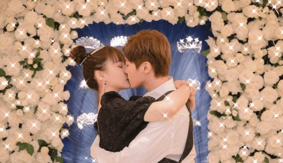 赵本山女儿球球被求婚 和男友秀恩爱 决定闪婚