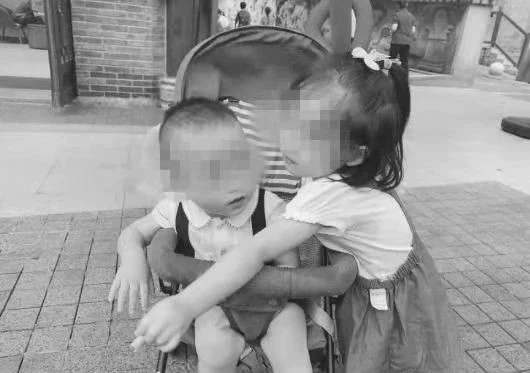 重庆两幼童坠亡事件:一个禽兽不如的爹