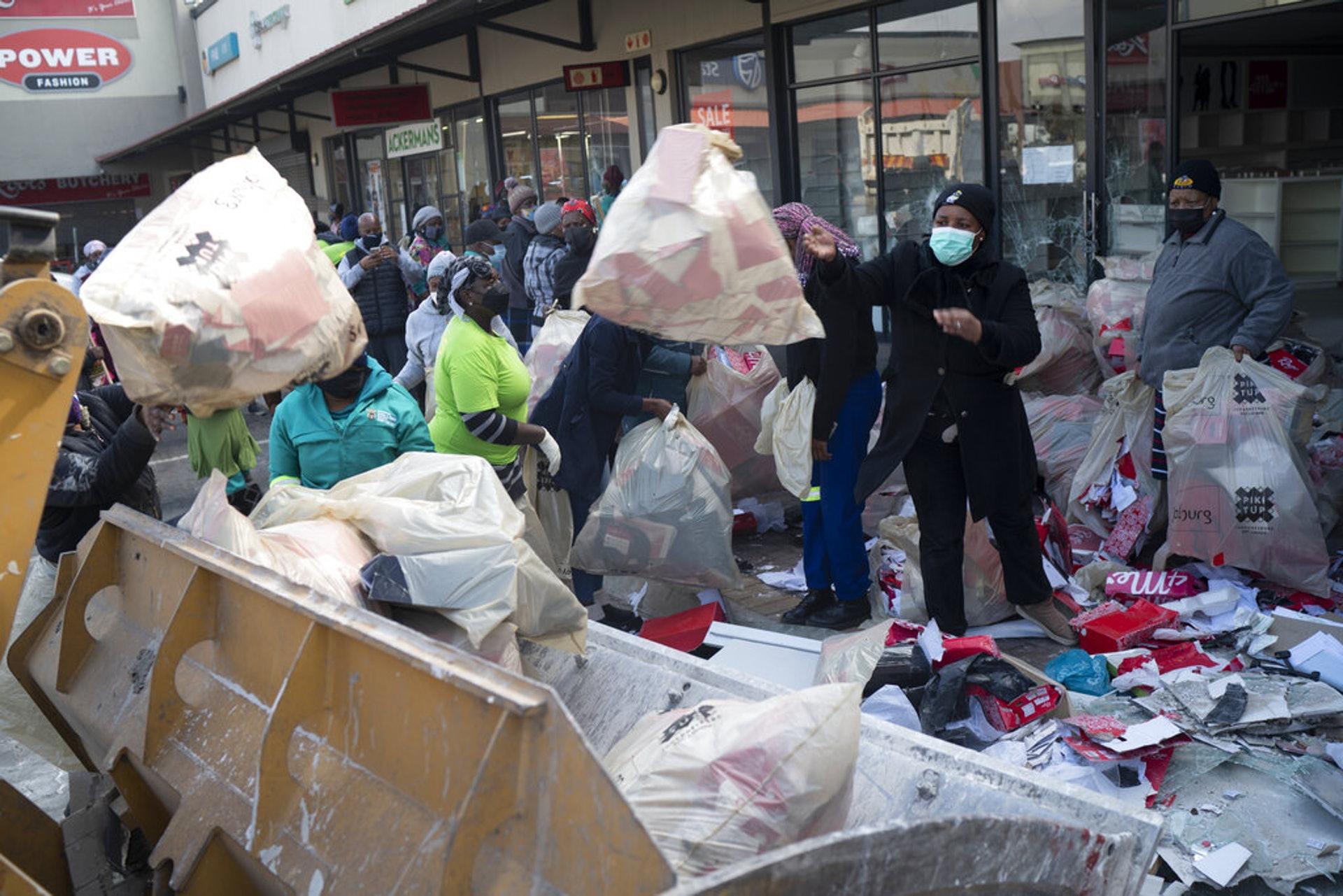 史无前例大骚乱:南非到底在发生着什么?