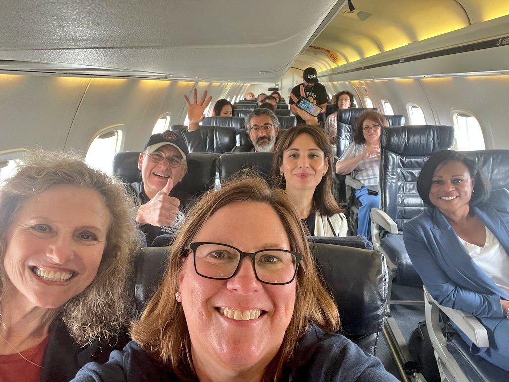 """得州50多议员""""集体出逃"""":全已接种 搭机后多人染疫"""