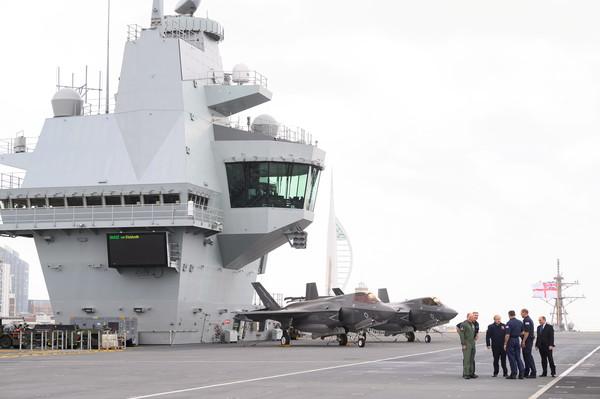 """解放军紧张了?英国将在亚洲海域""""永久部署""""2艘军舰"""