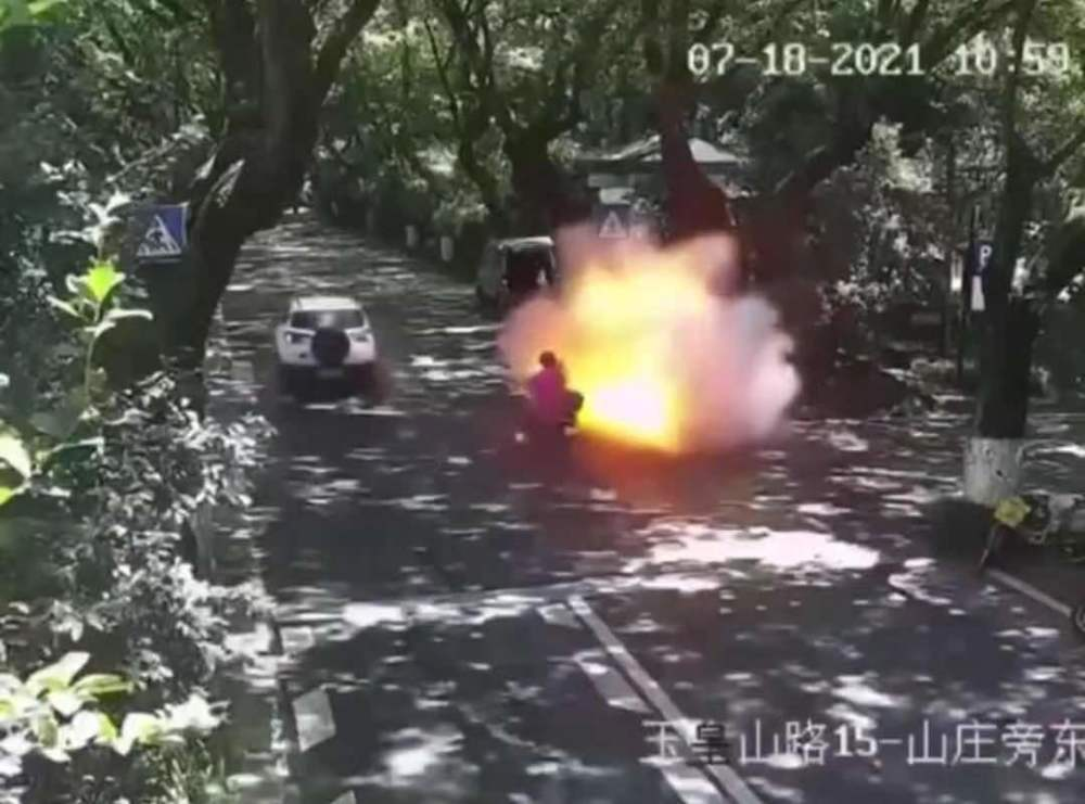杭州电动车爆燃最新伤情披露:男子肺部有爆炸伤