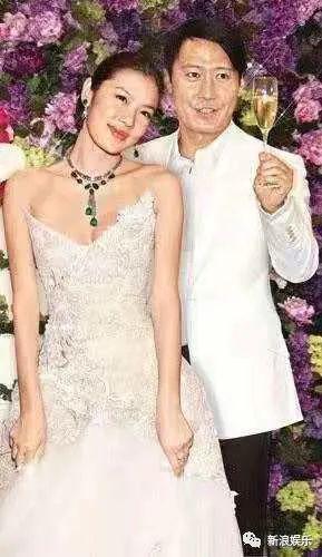 黎明这是终于肯承认再婚了?