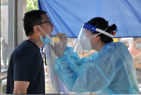 南京禄口机场爆群聚染疫 17人验出新冠阳性
