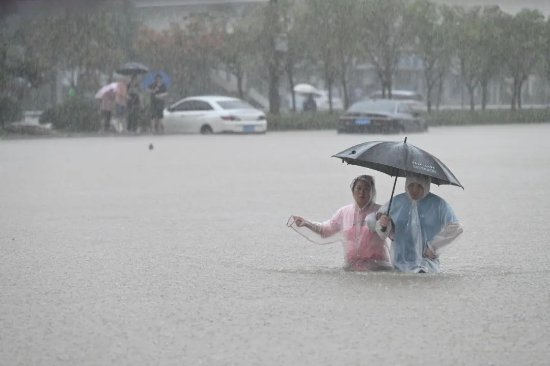 深度报道:被困在郑州暴雨中的他们