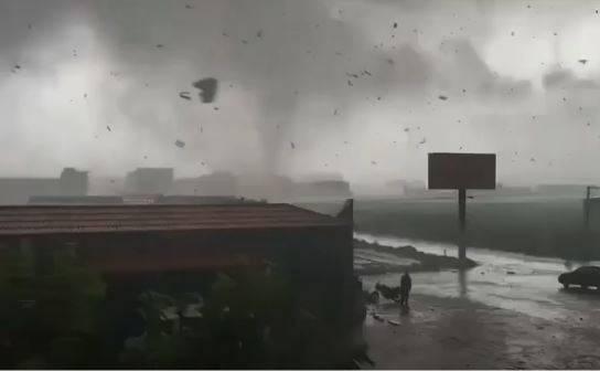 暴雨洪灾龙捲风…中国导演:美军你到底往台湾运了什麽?