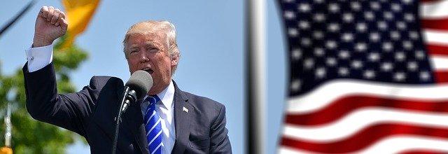 """候选人都年过70,美国大选怎成了""""老人之战""""?"""