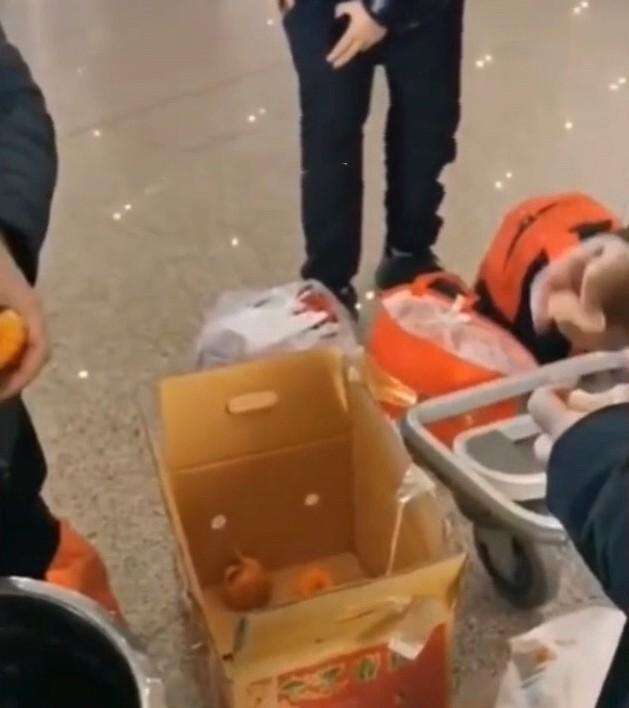 嫌托运太贵!陆男半小时吃30公斤橘子 三天后超后悔