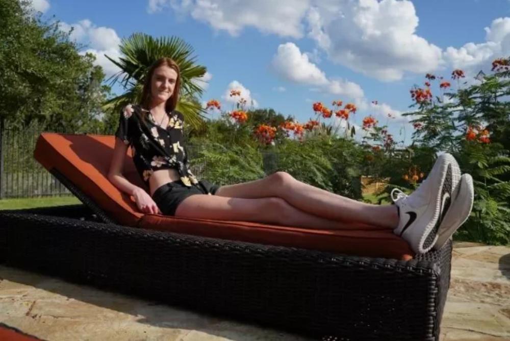 世界第一長腿!17岁美国少女腿长135 身高破两百