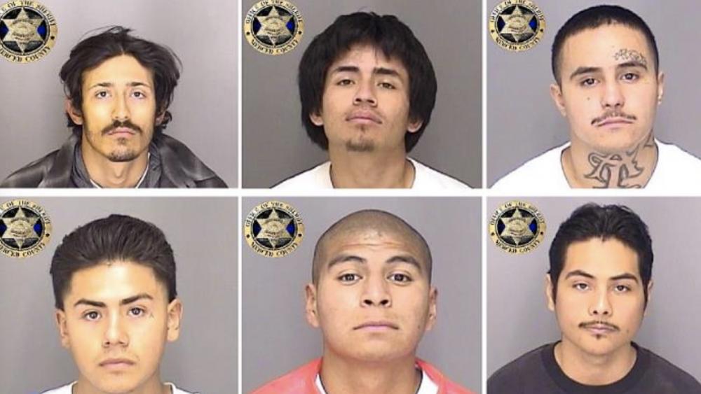 用自制绳索逃脱 美国6名囚犯携带武器集体越狱