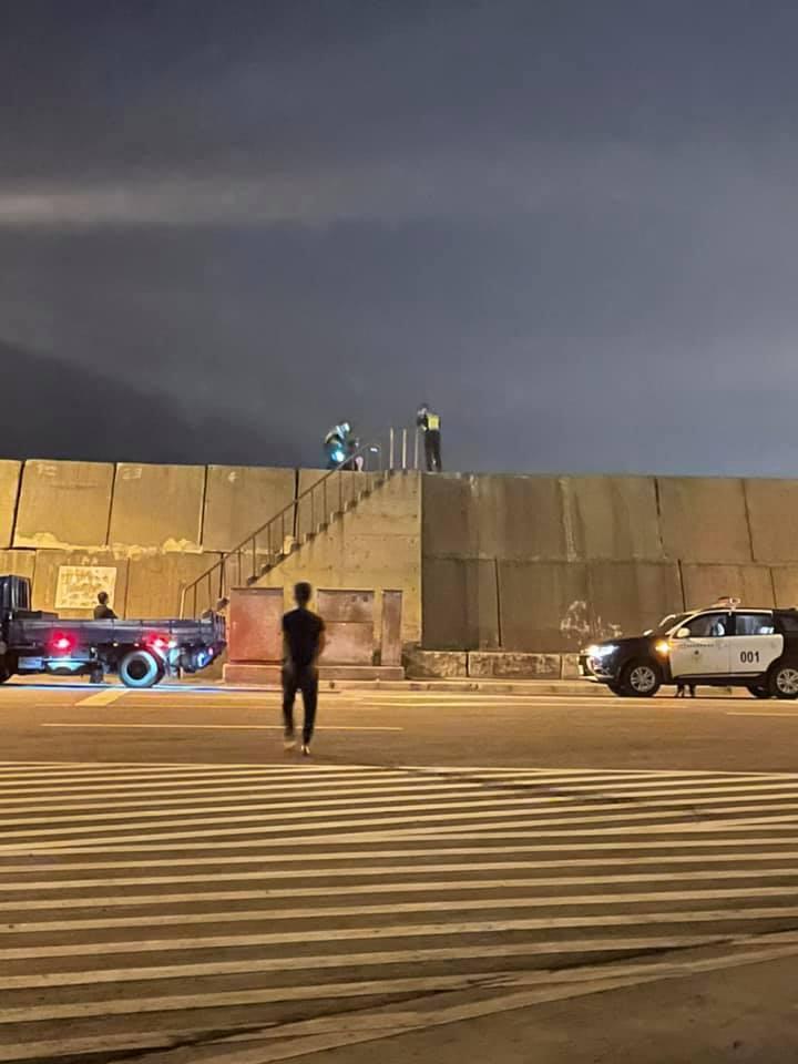 大陆男子划皮艇投台湾现场画面 与台警对话曝光