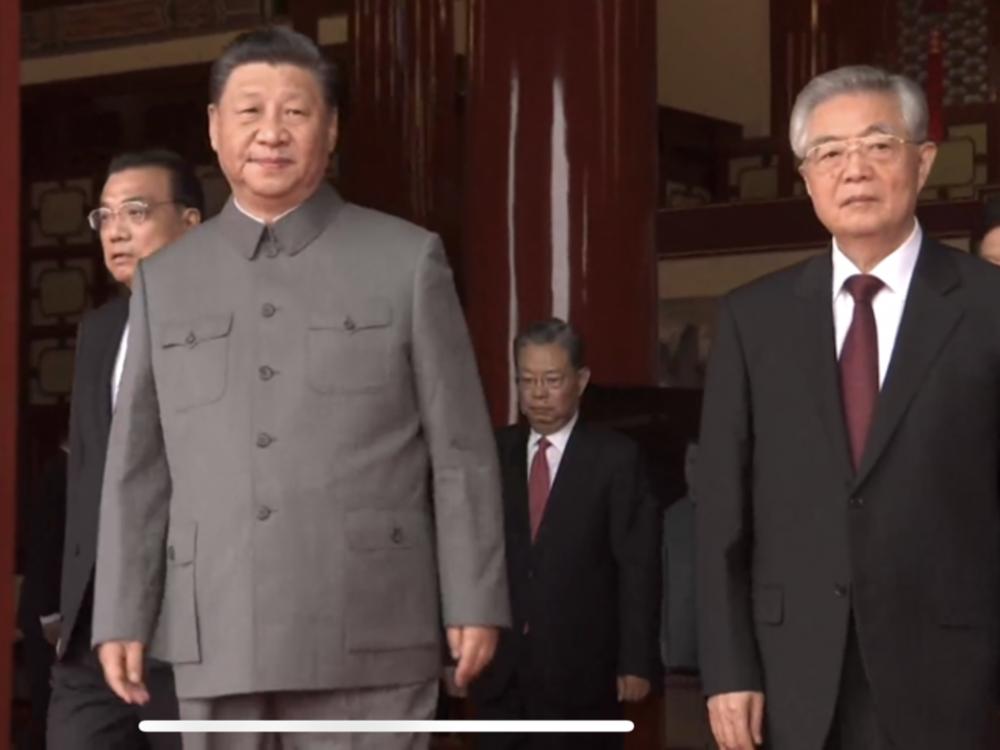 习近平胡锦涛亮相天安门 中共百年党庆江泽民缺席