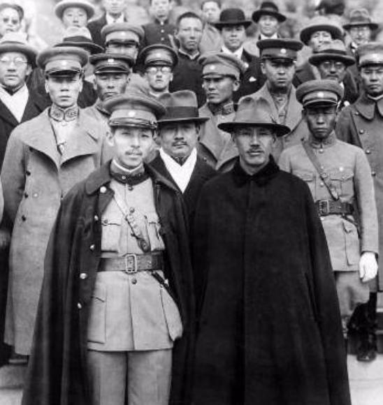 """西安事变后,中共是如何改变""""杀蒋""""主张的?"""