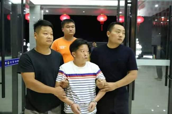 湖南姐妹为父追凶25年,嫌凶竟当庭翻供