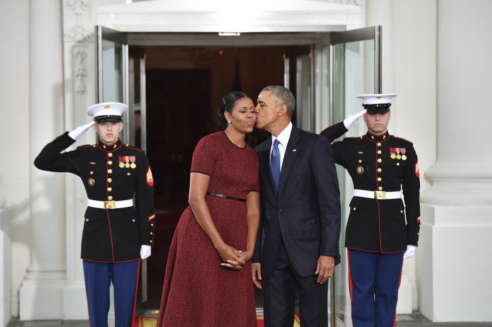 是否加入拜登政府?奥巴马苦笑:我老婆会把我甩了
