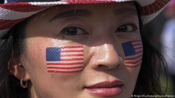 拜登险胜大选,在美华人对新政府有何期待?