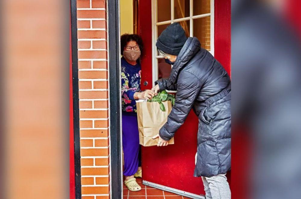 美亚裔耆老被歧视攻击 华裔餐馆挺身对抗仇恨犯罪